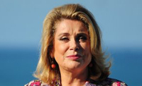 Elle s'en va: Catherine Deneuve hits the road