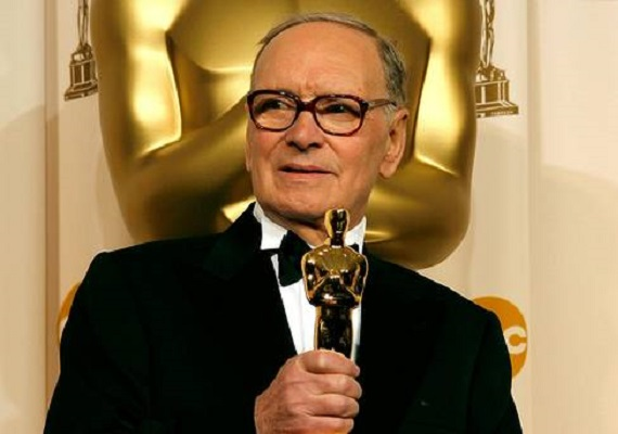 """Ennio Morricone at the Oscars: """"I dedicate this award to my wife"""""""