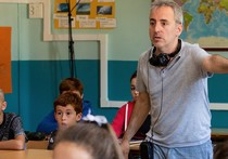With his second feature following B, la película, Navarre-born director David Ilundain enters the microcosm of school, with David Verdaguer playing a young teacher